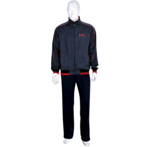Newest 100% Polyester Men′s Fashion Tracksuit pictures & photos