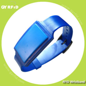 ISO14443A Nfc Admission Ticket S70 1k S70 S50 S70 Ultralight Ntag203 RFID Bracelet Wristband pictures & photos