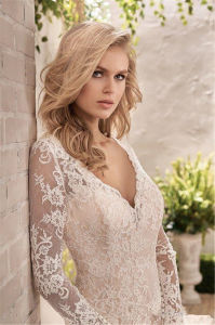 A-Line Wedding Dress Long Sleeves Lace V-Neck Bridal Gown A130 pictures & photos