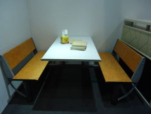 Cheap Good Quality Wood Steel 4 Seater Restaurant Table and Chair pictures & photos