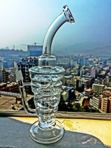 Fab Rig Glass Water Pipe Frit Hole Percolater Smoking Pipe with LED Light pictures & photos