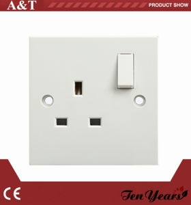 13A 3 Square Pin Switch Socket pictures & photos