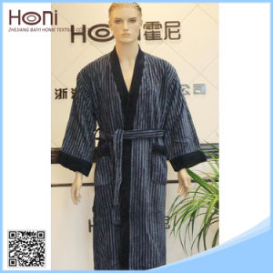 Turkish Men′s Bathrobe Fluffy Striped Men′s Kimono Bathrobe pictures & photos