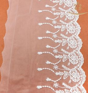 Ivory 3D Flower Rayon Lace Fabric Lace L40027 pictures & photos