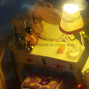 China Lovely DIY Wooden Toy Dollhouse Miniature pictures & photos