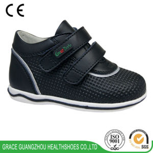 Kids Shoes Health School Shoes Offer Good Support on Rear Part pictures & photos