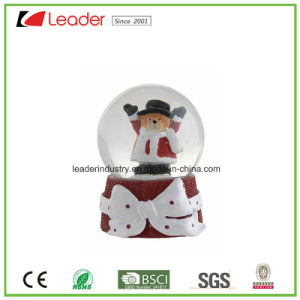 Polyresin Christmas Gift Snow Globe with Santa for Souvenir and Promotional Gifts pictures & photos