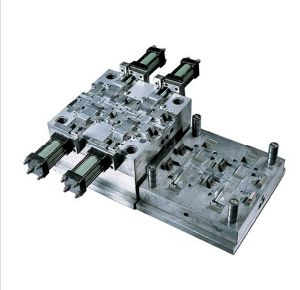 OEM Manufacture Plastic Injection Moulding Parts for Auto Lighting Parts pictures & photos