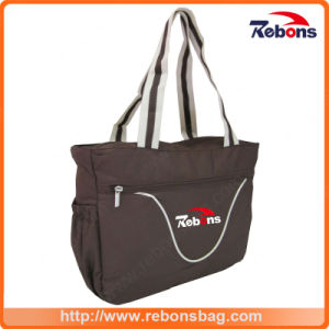 Customized Logo Designed Handbags with Adjustable Shoulder Strap pictures & photos