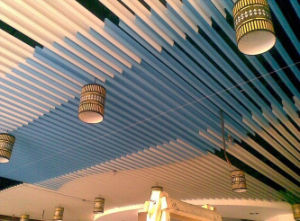 China Wholesale Moistureproof Environmental Suspended of False Strip Ceiling pictures & photos