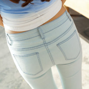 Wholesale Stretch Lady′s Tight Denim Jeans pictures & photos