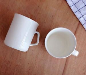 Custom-Made 200ml Ceramic Cup for Coffee with White Spoon pictures & photos