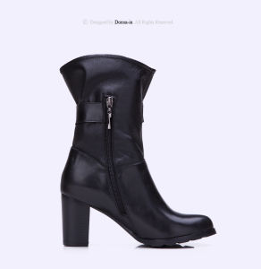 Women Casual Leather Shoes Buckle-Strap High Heels Lady Boots Shoes pictures & photos
