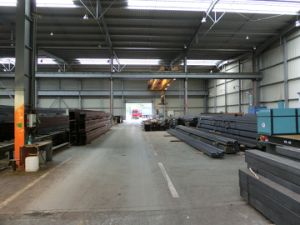 Pre-Engineered Steel Structure Workshop with Middle Column pictures & photos