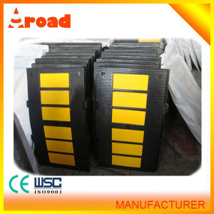 Scientific Design Yellow and Black Rubber Speed Hump with CE pictures & photos