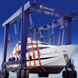 Mobile Boat Hoist, Yacht Crane 100t pictures & photos