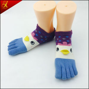 Girls Short Funny Toe Socks pictures & photos