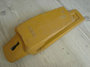 Bucket Adapter for Esco Excavator (35AD) pictures & photos