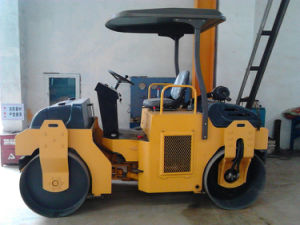 2 Tons Small Mini Double Drum Vibratory Road Roller (YZC2) pictures & photos