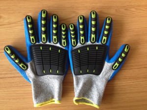 Hppe/Nylon Safety Gloves with Unti-Flame TPR Sewing