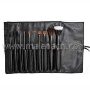 Black 10PCS Cosmetic Makeup Brushes with Pouch pictures & photos