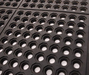Best Quality Link Rubber Mat/Rubber Matting pictures & photos