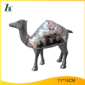 Boutique Camel Shape Christmas Glass Decoration pictures & photos