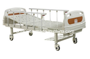Single Crank Manual Hospital Bed (ALK06-A132P) pictures & photos