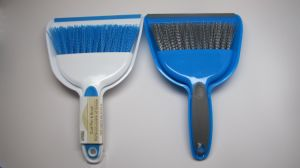 Small Hand Broom with Snap-on Dust Pan pictures & photos