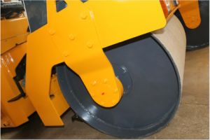 3 Ton Double Drum Vibratory Road Compactor (YZC3) pictures & photos