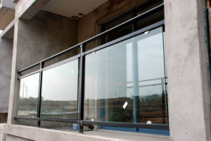 Clear and Tinted Laminated Safety Glass Manufactures pictures & photos