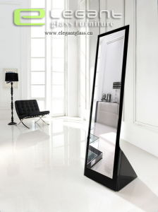 Black Glass Full-Length Mirror in Bedroom pictures & photos