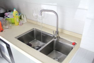 Casting Traditional Kitchen Faucet Ab105 pictures & photos