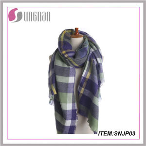 Yiwu Factory Sale Jacquard Print Tartan Scarf Pashmina Scarf Cashmere Scarf pictures & photos