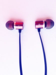 Hot Selling Noise-Cancelling MP3 Earphone pictures & photos