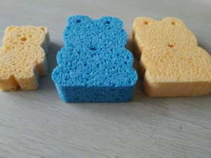 Bear Shape Colorful Bath Sponge Face Body Clean Magic Cellulose Sponge pictures & photos