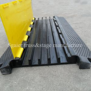 Orange & Yellow Outdoor 900mm Flexible PU Plastic Cable Tray Yellow and Black Jack Cable Ramp pictures & photos