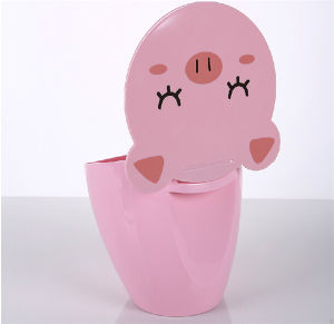 Pink Cartoon Plastic Desk Trash Can pictures & photos