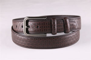 Fashion Men′s Leather Belt with Embossed pictures & photos