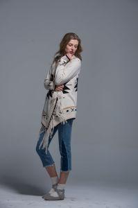 Ladies Irregular Cardigan Sweater Acrylic Spring Autumn Loose Colour Macrame pictures & photos