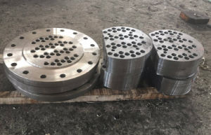 Customized Deep Hole Drilled and Machined Big Diameter Flange pictures & photos