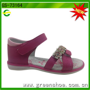 New Arrival Children Girls Sandals pictures & photos