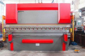 Wc67k Hydraulic CNC Press Brake Machine, Nc Press Brake pictures & photos