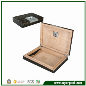 Black Simple Wooden Storage Cigar Humidor pictures & photos