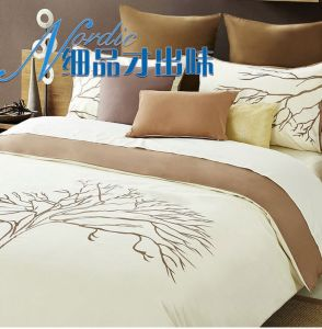 Hand Embroidery Bedding Set pictures & photos