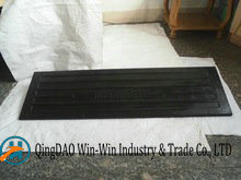 Rubber Wheel Chocks 901*213*92 mm pictures & photos