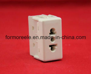 Italian Socket /2 Pins Socket /Socket and Outlet pictures & photos