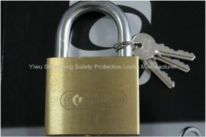 70mm Heavy Duty Thick Type Brass Padlock (267) pictures & photos