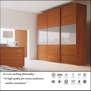 Wooden Pattern Sliding Door Closet (Fy2387) pictures & photos