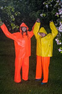 Mens Womens Waterproof PVC Rain Suit Red Raincoats Rain Jackets pictures & photos